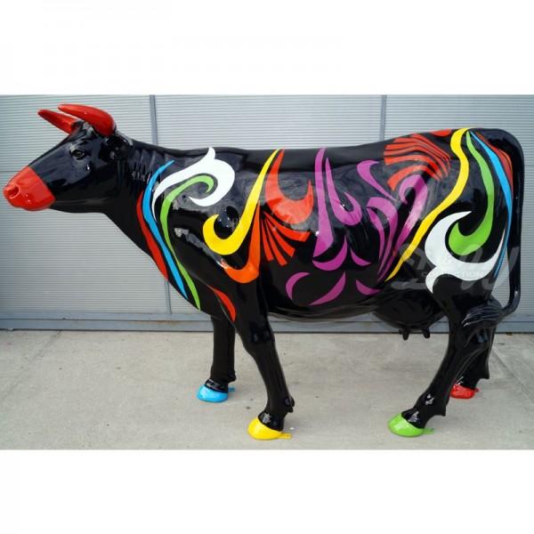 """Kuh mit Kunstbemalung """"Bunte Linien"""" (Lebensgroß)"""