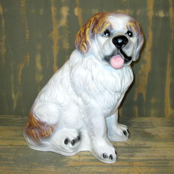 Bernhardiner Welpe Hund sitzend (lebensgroß)