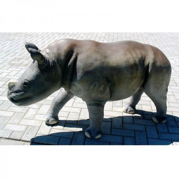 Nashorn Baby stehend (lebensgroß)