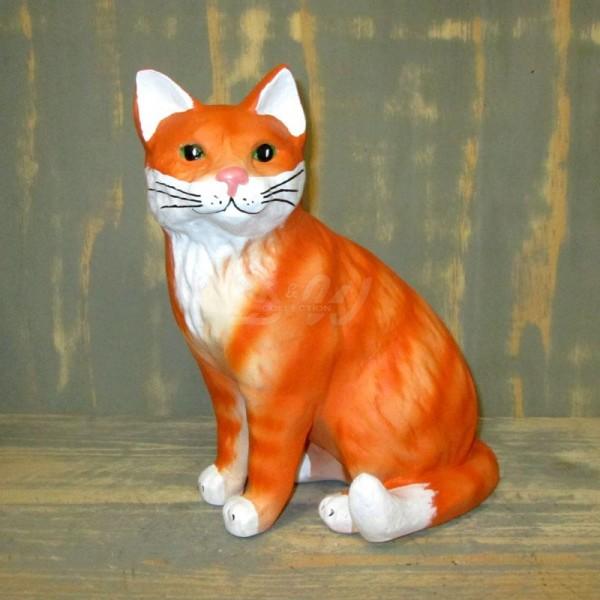 Katze orange-weiß sitzend (lebensgroß)