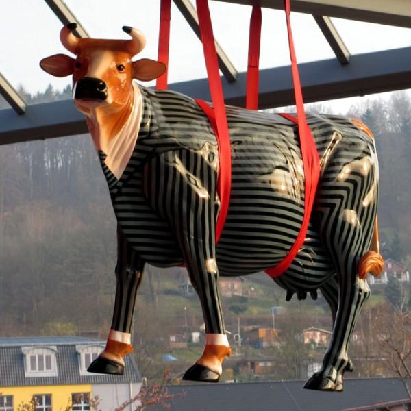 "Kuh mit Kunstbemalung ""Anzug - Business"" (lebensgroß)"