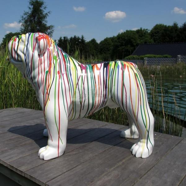 """englische Bulldogge Hund groß mit Kunstbemalung """"weiß mit bunten Farbläufern"""""""