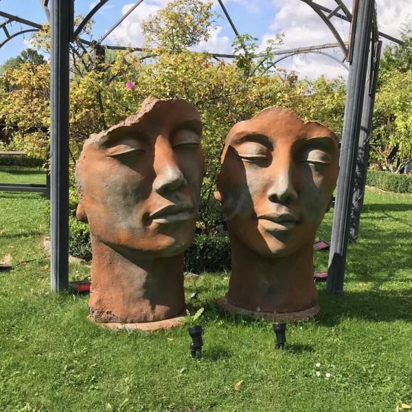 Gesichter-Set 2 Skulpturen Frau & Mann Rosteffekt inkl. Platte zur Montage (groß)