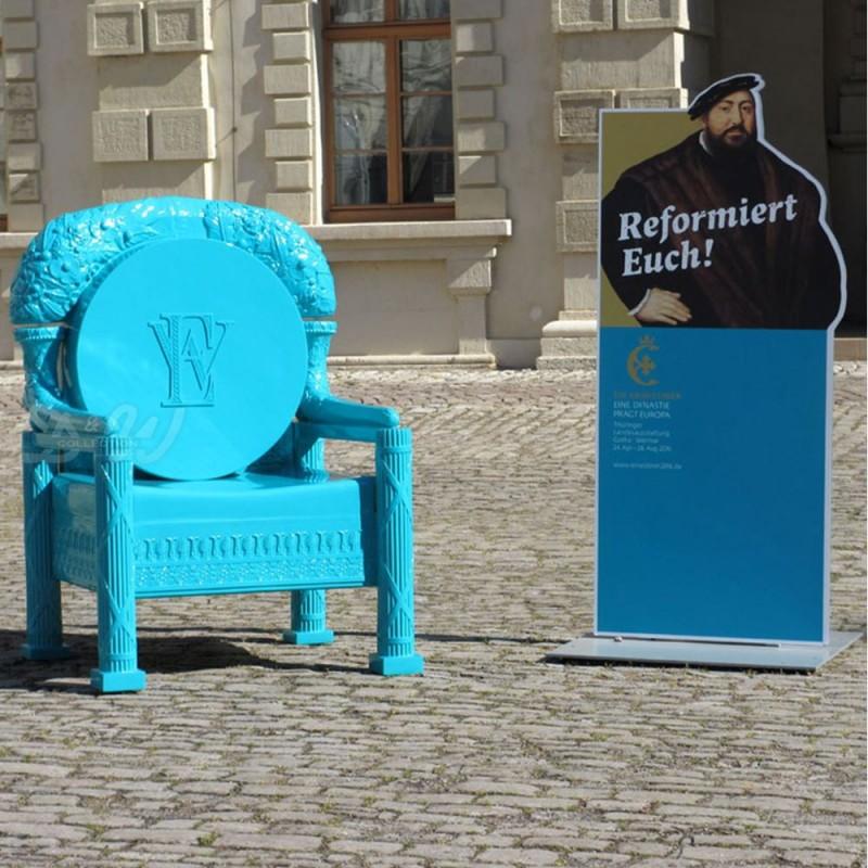 Ref-Throne-4