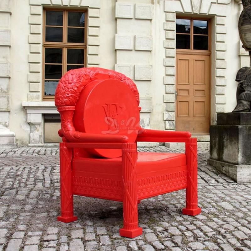 Ref-Throne-5