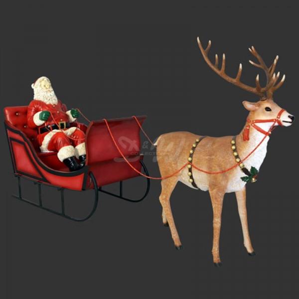 Weihnachtsmann sitzend im Schlitten mit Rentier (lebensgroß)