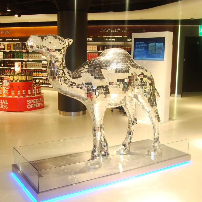 Af-Ref-Camel-Club-Flughafen