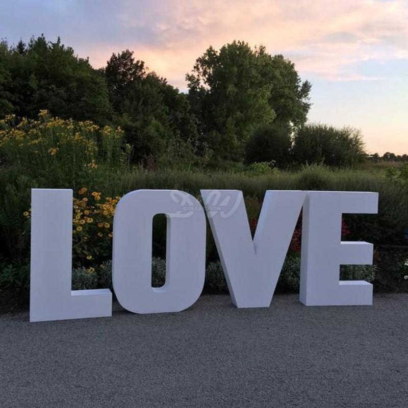 Ref-LOVE-Buchstaben