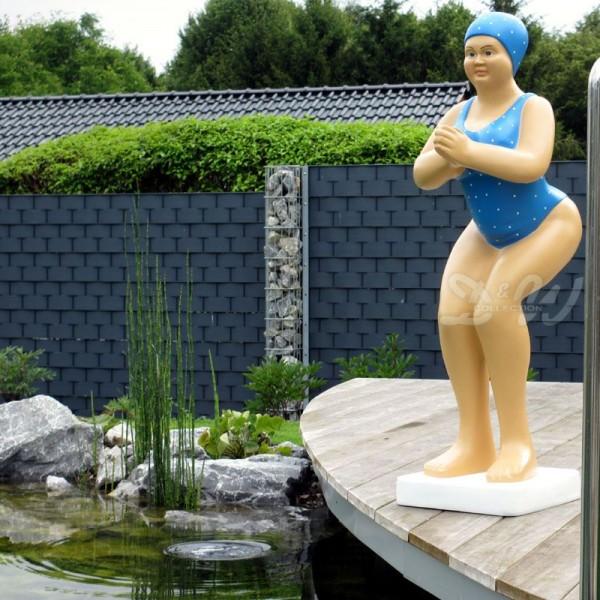 """Badende Schwimmerin """"Elli"""" stehend Badeanzug in Blau"""