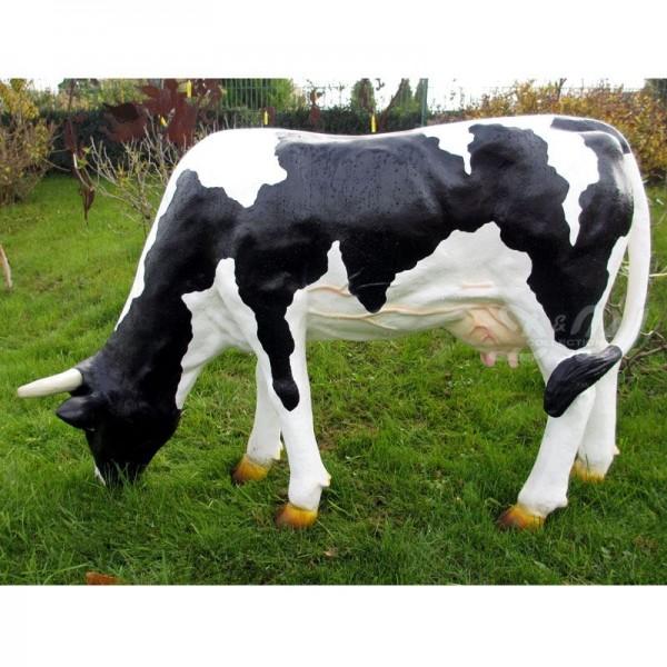 Kuh Gundel grasend schwarz-weiß (groß)
