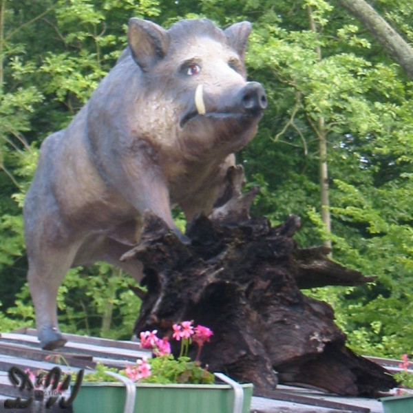 Wildschwein Keiler stehend (lebensgroß)