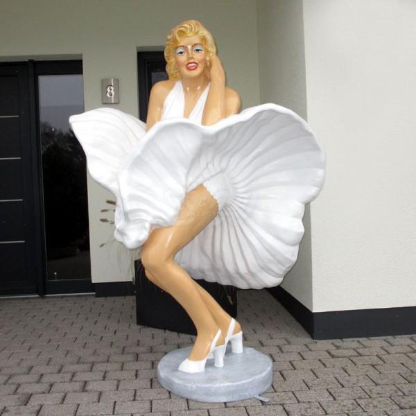 Schauspielerin Marilyn stehend - Wind unterm Rock (lebensgroß)