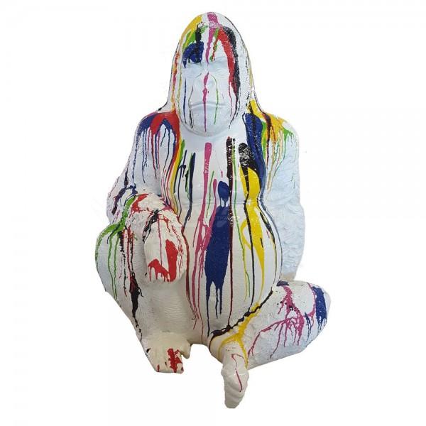 """Gorilla Affe sitzend mit Kunstbemalung """"weiß mit bunten Farbläufern (lebensgroß)"""