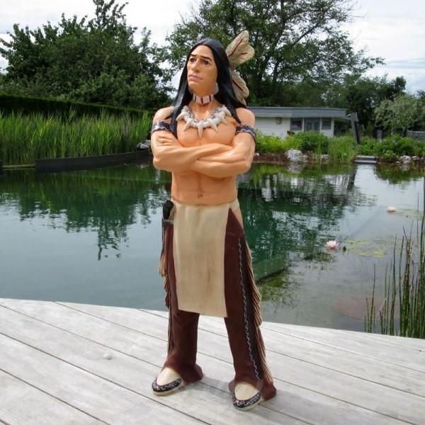 Indianer stehend Arme verschränkt 95 cm