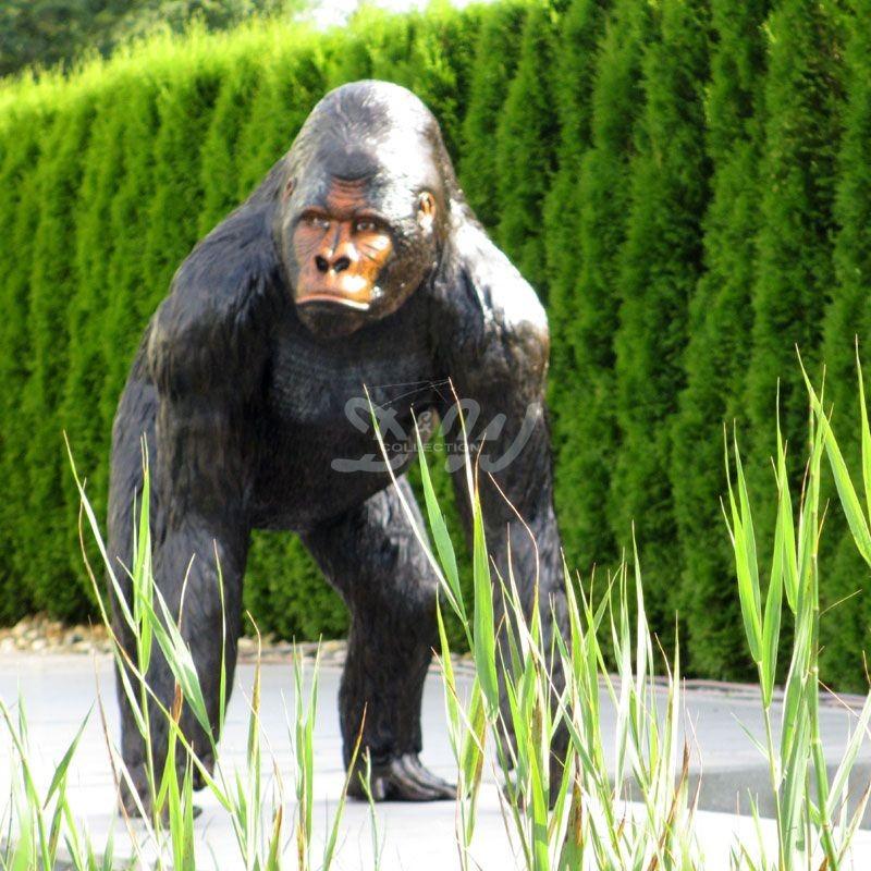 Ref-Gorilla-4